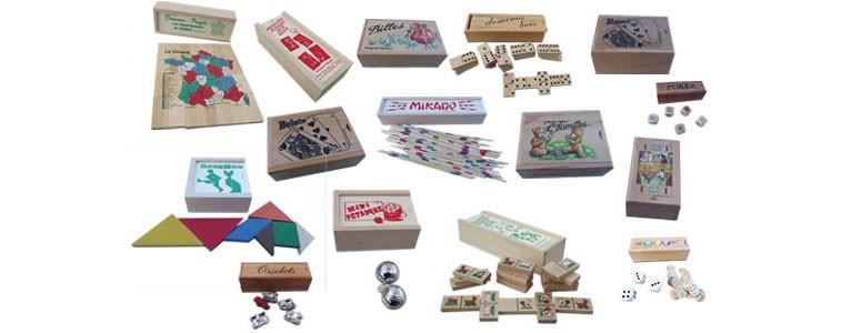 jeux de domino; boite à cartes; mikado, jeux de billes, mini boules, tan-gram , jeux jouets artisanal en bois du jura